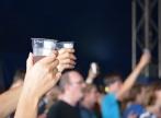 Church-in-a-Pub propune un nou tip de inchinare: la o pizza si o bere