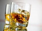 Oamenii inteligenti consuma mai mult alcool. De ce?