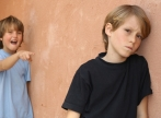Drama adolescentilor batuti si umiliti de proprii colegi